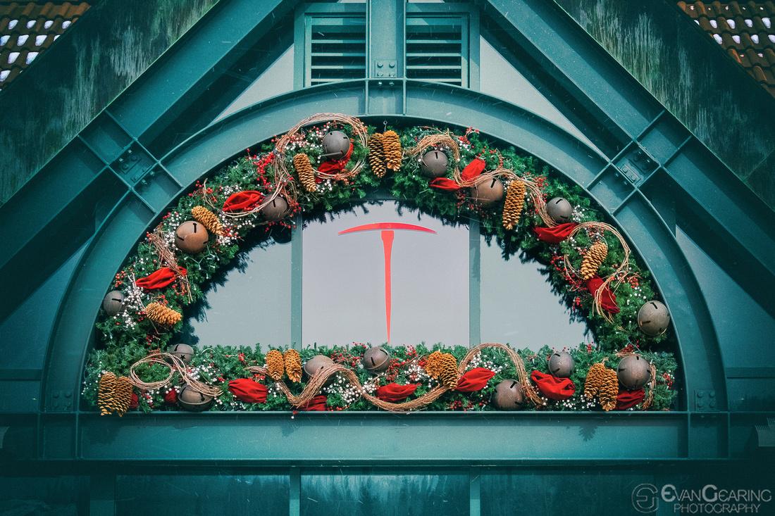 Telluride Symbol and Wreath