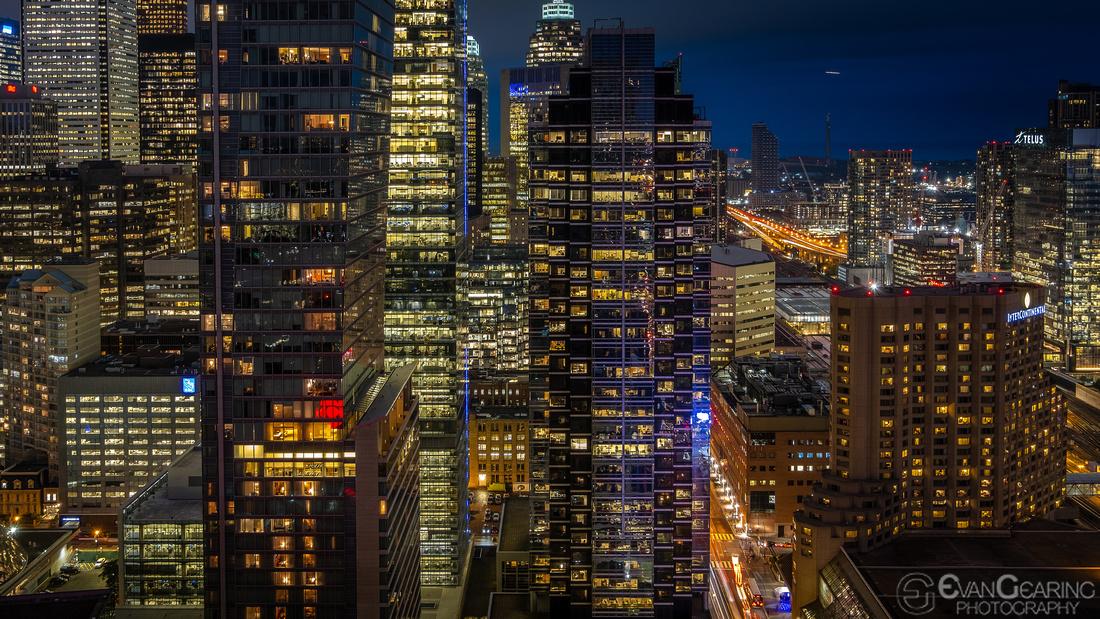 TorontoNight01