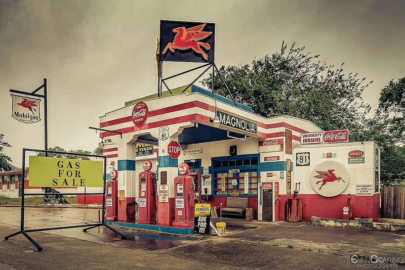 Magnolia Gas Station 03